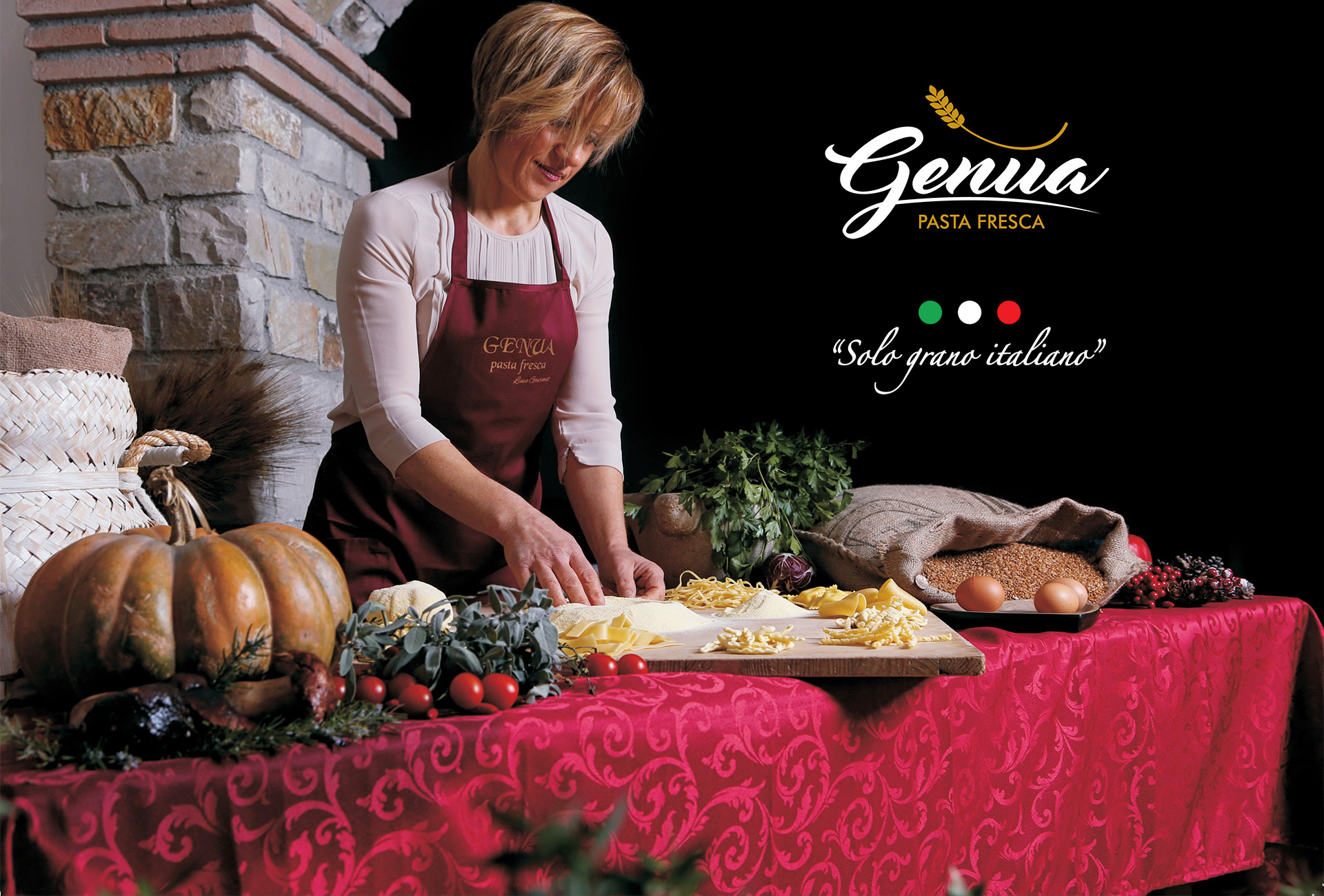 Pasta Genua from the Campania tradition, the production of pasta as it once was, fresh pasta, bronze drawn, regional specialties