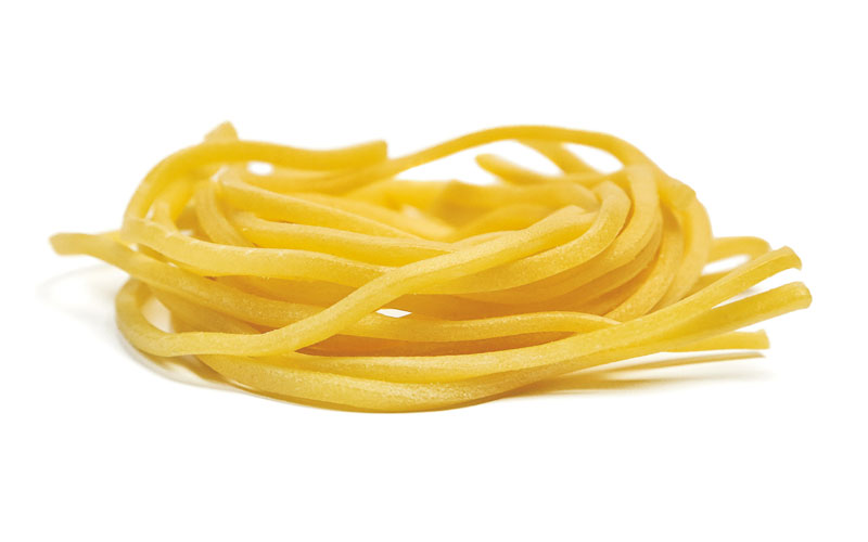 Troccoli: fresh pasta, bronze drawn, typical of Puglia. Pasta to be seasoned with dried tomatoes and anchovies.